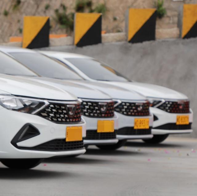 助力驾考,必威西汉姆app汽车携手厦门培顺通驾校交付22台捷达VA3